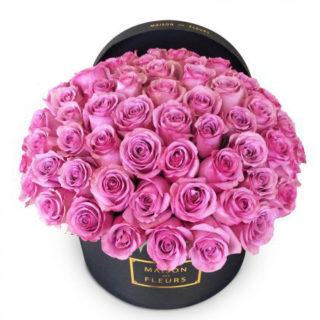 Букет розовых роз в коробке