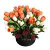 Белые тюльпаны, оранжевые тюльпаны в коробке, Maison des Fleurs