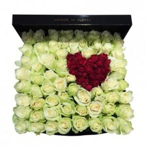 Букет с сердцем из красных роз в коробке