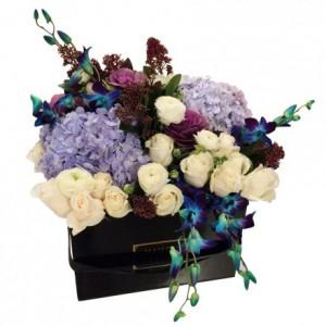 Букет роз, гортензия, цветы в коробке, Maison des Fleurs
