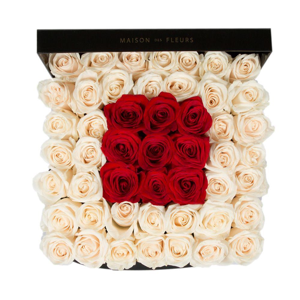 Кремовые розы с квадратом из красных роз
