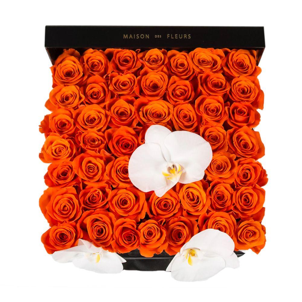 Оранжевые розы с орхидеями