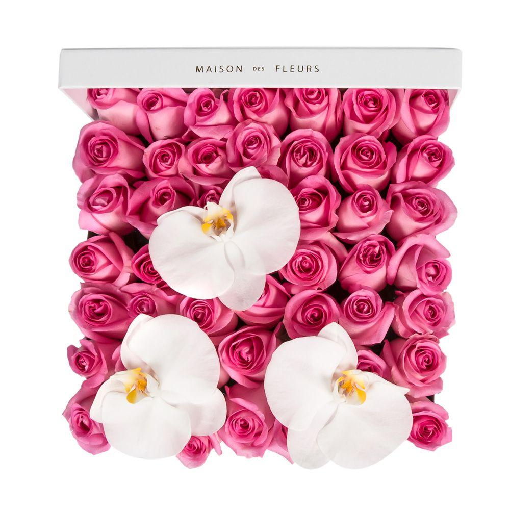 Розовые розы с орхидеями