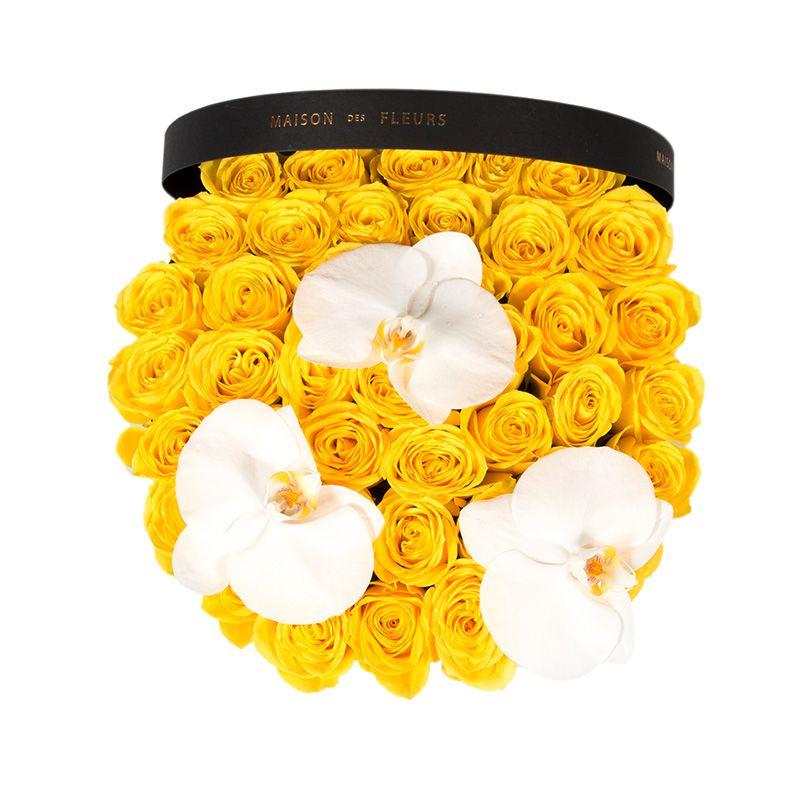 Желтые розы с орхидеями