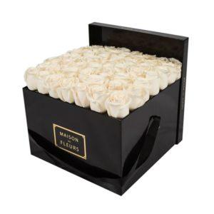 Цветы в шляпной коробке Москва