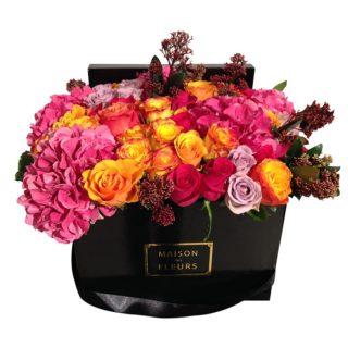 Желтые и фуксиевые розы Maison des Fleurs, гортензия