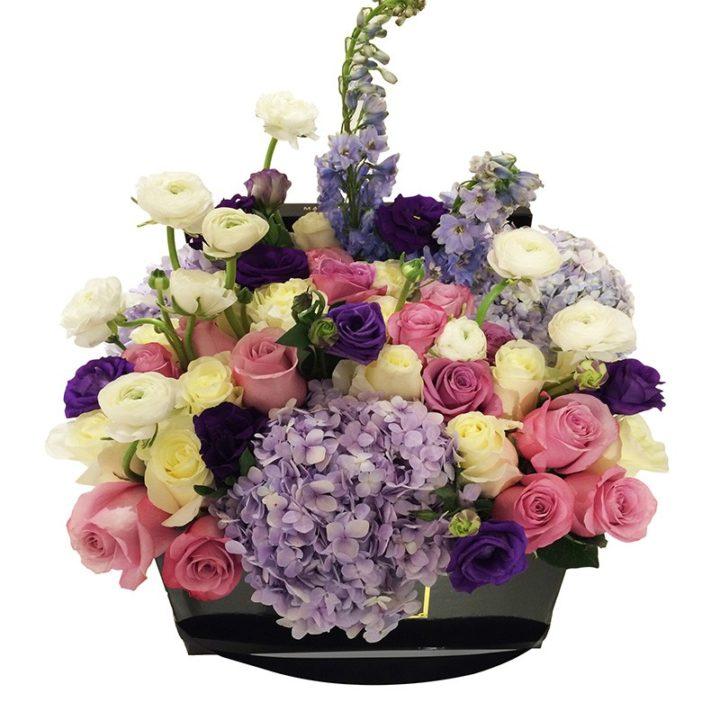 Розовые и кремовые розы Maison des Fleurs