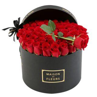Красные розы в коробке Maison des Fleurs