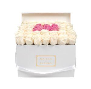Цветы в коробке Maison Des Fleurs Москва