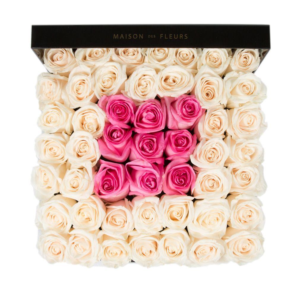 Кремовые розы с квадратом из розовых роз